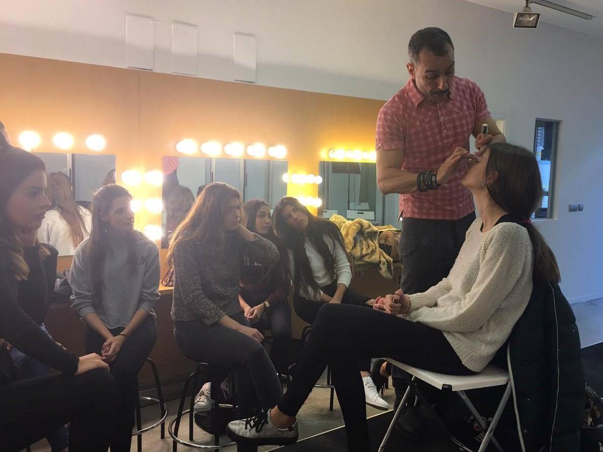 clase maquillaje Manuel Cecilio