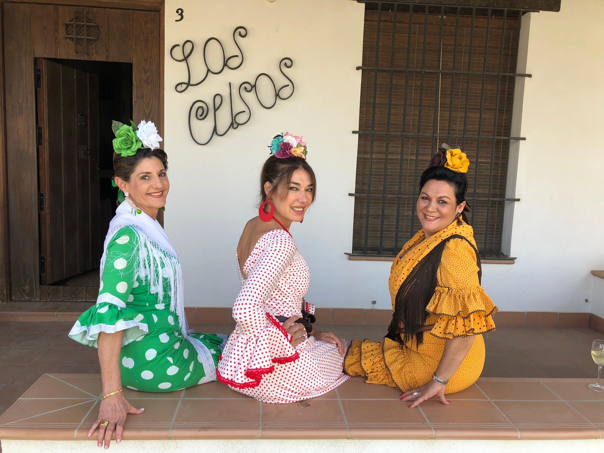 Con Dolores, nuestra anfitriona, y nati en Los Clisos