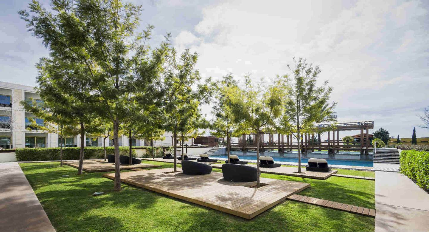 Anantara_Vilamoura_Adults_Pool_1920x1037